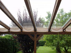 Terrassendach Leimholz mit Glasdach und Sonnenschutz